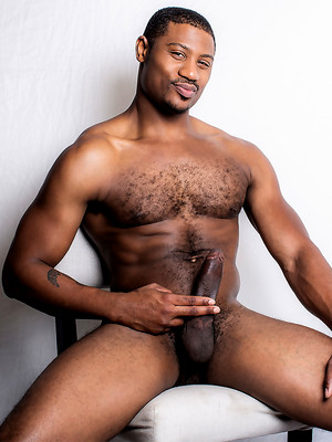 Adonis Couverture Pounds Benjamin Gomez's Hole