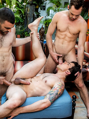 Max Arion, Dakota Payne, And Drake Rogers' Bareback Threesome