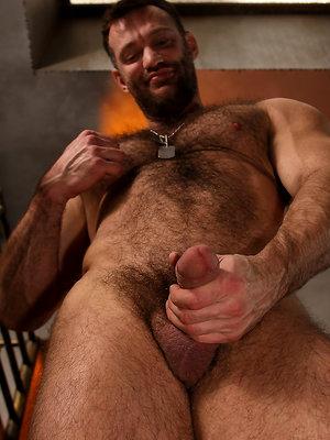 Hairy Bodybuilder - Aaron Cage
