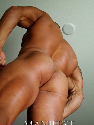 Muscle hunk Marko shows his boner