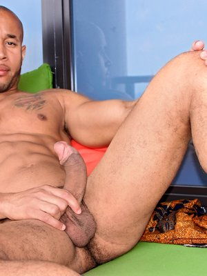 Lawson Kane shows his big cock